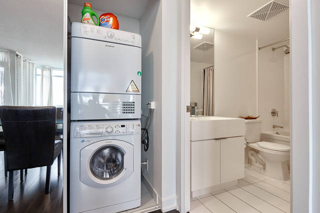 Washer/Dryer/Bathroom